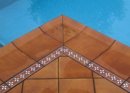 9-Detail - dlažba Rodamanto a její bazénová krajovka a dekor