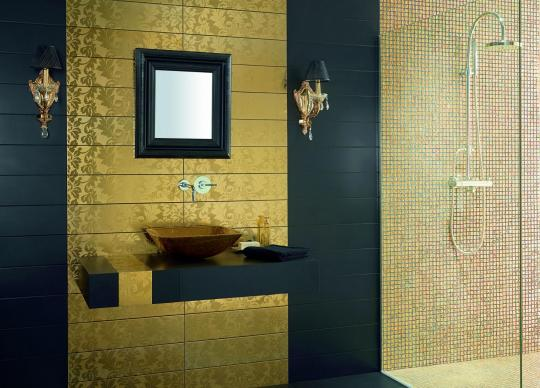 Kombinace zlata a černé barvy <a href='http://www.loskachlos.cz/shop/file/519/'>Megalos</a>