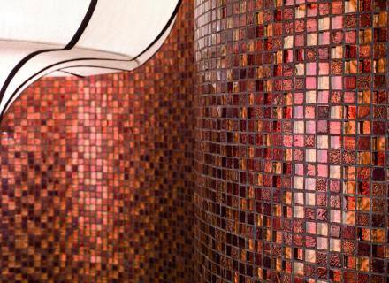 Mozaika Hermes vytvořená zrůzných materiálů.