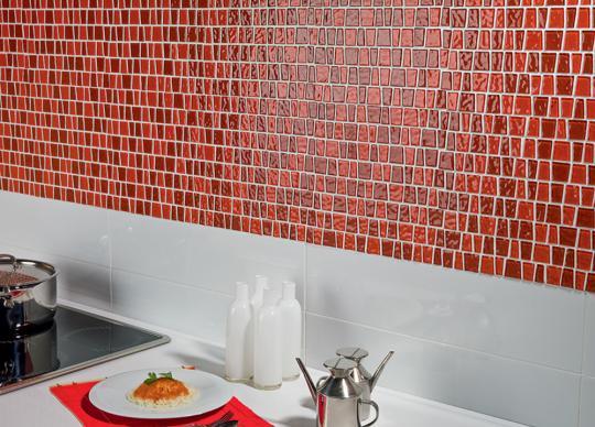 Skleněná mozaika Red Snake <a href='http://www.loskachlos.cz/shop/file/1757/'>Red Snake</a>