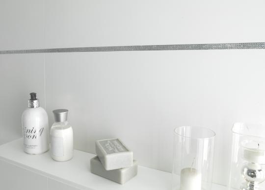Dekorativní profil s krystaly Swarovski<a href='http://www.loskachlos.cz/shop/file/1805/'>Profily</a>